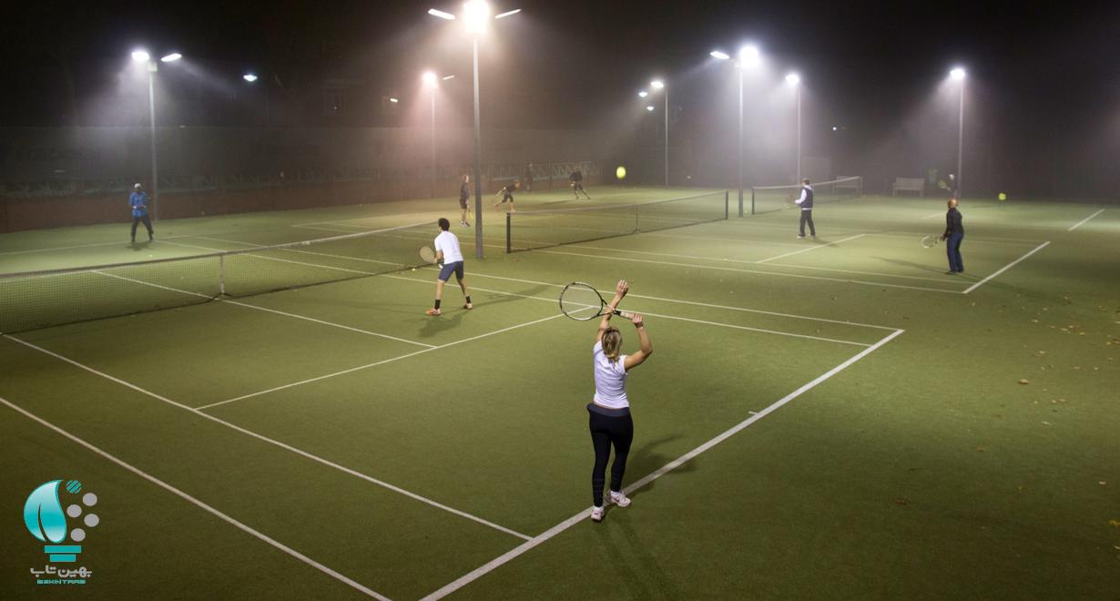 عملا در زمینهایی که از پروژکتورهای ال_ای_دی بدون درایور استفاده بشوند امکان بازی تنیس وجود ندارد